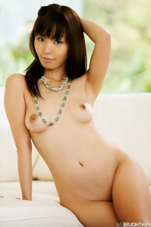 Elita cameltoe escorts in Emeryville, CA