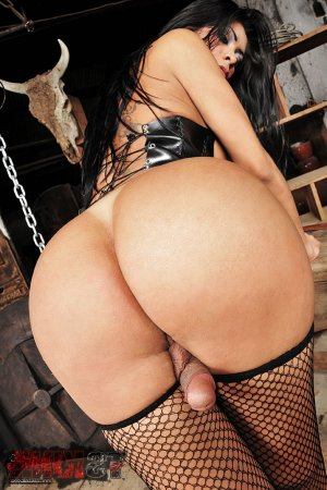 Roba cameltoe escorts Hollins