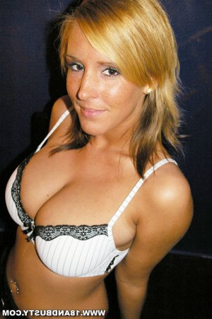 Apolline cameltoe escorts Greencastle, IN